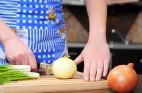 חיתוך בצל: איך לקצוץ בצל כמו שף?