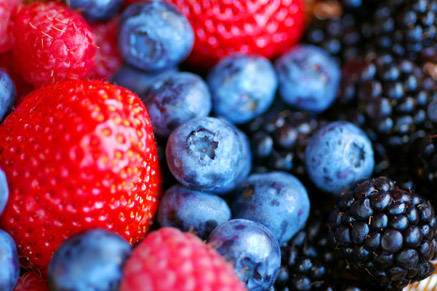 מזונות לשמירה על בריאות ותפקוד המוח