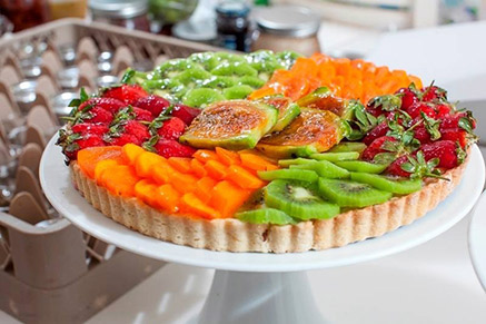 קיש עם המון פירות טריים וטעימים