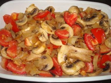 סלט עגבניות ופטריות
