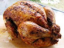 עוף שלם ממולא בבורגול וצנובר