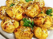תפוחי אדמה אפויים עם שמן זית וזעתר