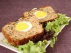 רולדת בשר ועוף עם ביצים קשות