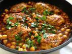 שוקי עוף ברוטב עגבניות וחומוס