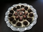 כדורי שוקולד מעוגת שוקולד מפוררת