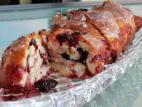 עוגת שמרים במילוי דובדבנים טריים