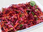 סלט ירקות שורש ברוטב חמוץ מתוק