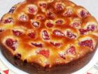 עוגת תותים אפויה