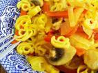 אטריות מקמח תירס עם ירקות
