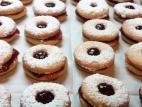 עוגיות סנדוויץ` עם ריבה