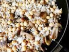 אורז עם פטריות וגרגירי חומוס