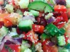 סלט ירקות עם בורגול וחמוציות