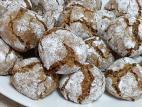 עוגיות אגוזים מושלגות
