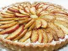 פאי תפוחים עם קרם שקדים