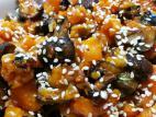 קוביות בטטה ופטריות בצ`ילי