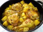 כרעי עוף ותפוחי אדמה ברוטב שום שמיר