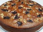 עוגת ממרח תמרים עם אגוזים