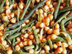 תבשיל גרגירי חומוס ושעועית ירוקה