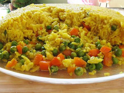 אורז פרסי עם אפונה וגזר