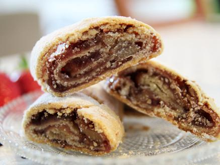 עוגיות מגולגלות במילוי פרג או ריבה