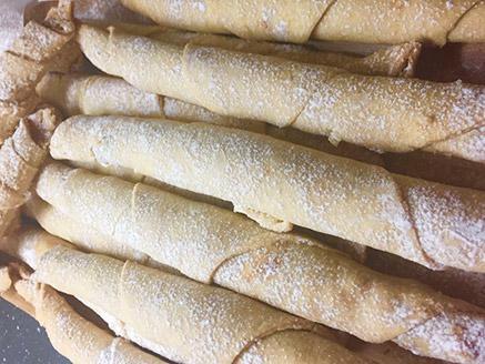 עוגיות סיגרים במילוי דבש ואגוזים
