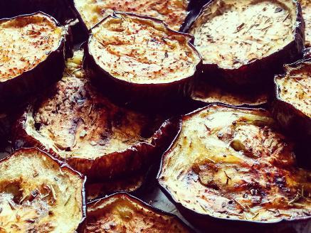פרוסות חצילים בתנור
