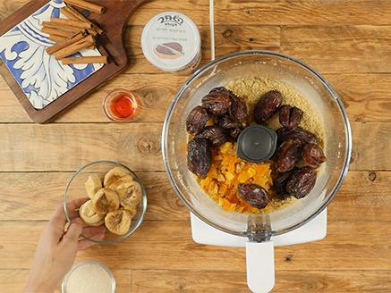 סוכריות לולי-פופ מפירות יבשים וממרח השחר העולה