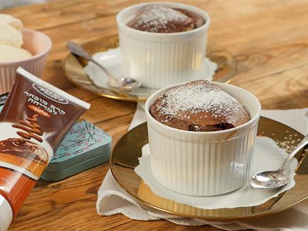 סופלה שוקולד חם במילוי ממרח השחר העולה