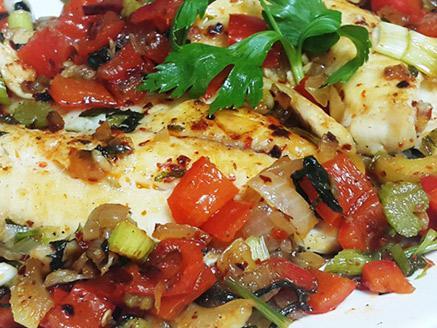 פילה אמנון בצלי ירקות
