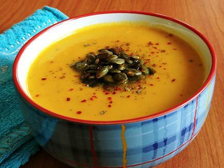 מרק כתום קל וטעים