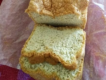 לחם שקדים וטחינה ללא גלוטן