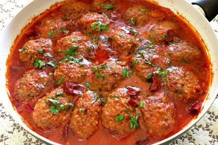 קציצות בשר ברוטב עגבניות מושלם