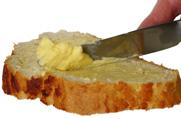 מרגרינה או חמאה - מה לאכול?