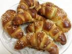 בוקר צרפתי מתוק: קרואסון, קרפ, פרנץ` טוסט ושוקולטה