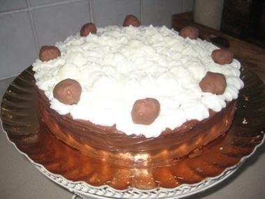 טורט שוקולד וקצפת