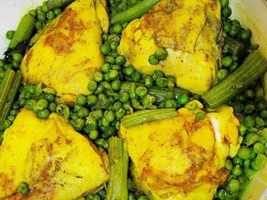 עוף עם אפונה וכרפס מהמטבח המרוקאי