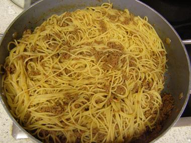 ספגטי עם בשר עגל טחון