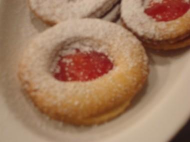 עוגיות בצק פריך עם ריבה