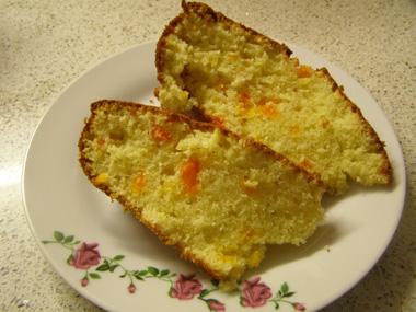 עוגת תפוזים קלה ליד הקפה