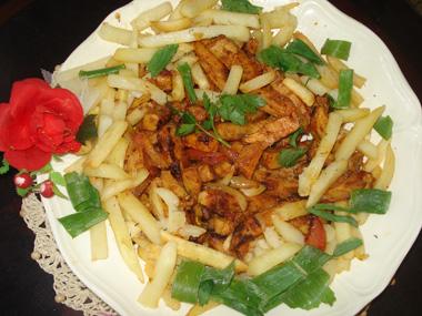 פרגיות מתובלות עם טגוניות תפוחי אדמה