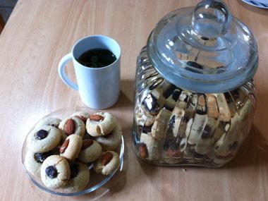 עוגיות טחינה ממולאות