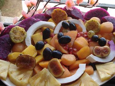 סלט פירות טרופי