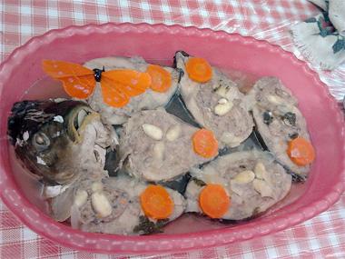 גפילטע פיש לפסח - דגים ממולאים