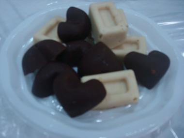 פרלינים עם אגוזי לוז ושקדים