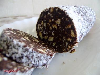 גלילת שוקולד וביסקוויטים
