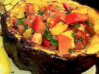 סלסת עגבניות ומנגו בדלעת