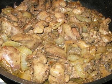 כבד עוף עם בצל ופטריות