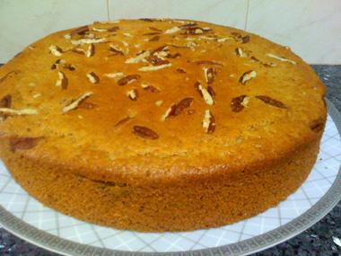 עוגת קינמון, פקאנים וליקר שקדים