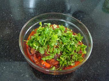 סלט חצילים ברוטב עגבניות