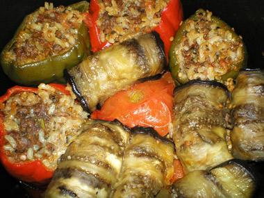 ירקות ממולאים בשר ואורז